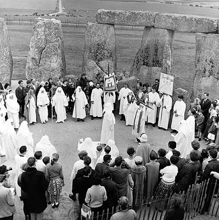 restauration-Stonehenge3