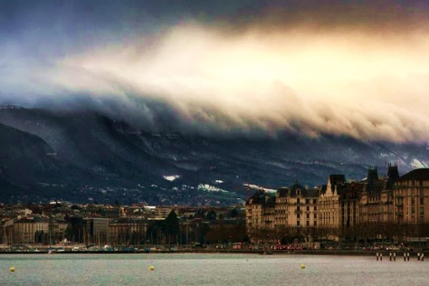 Sky-Tsunami-Photo-by-Alex-Teuscher