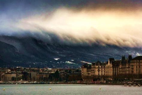 Sky-Tsunami-Photo-by-Alex-Teuscher
